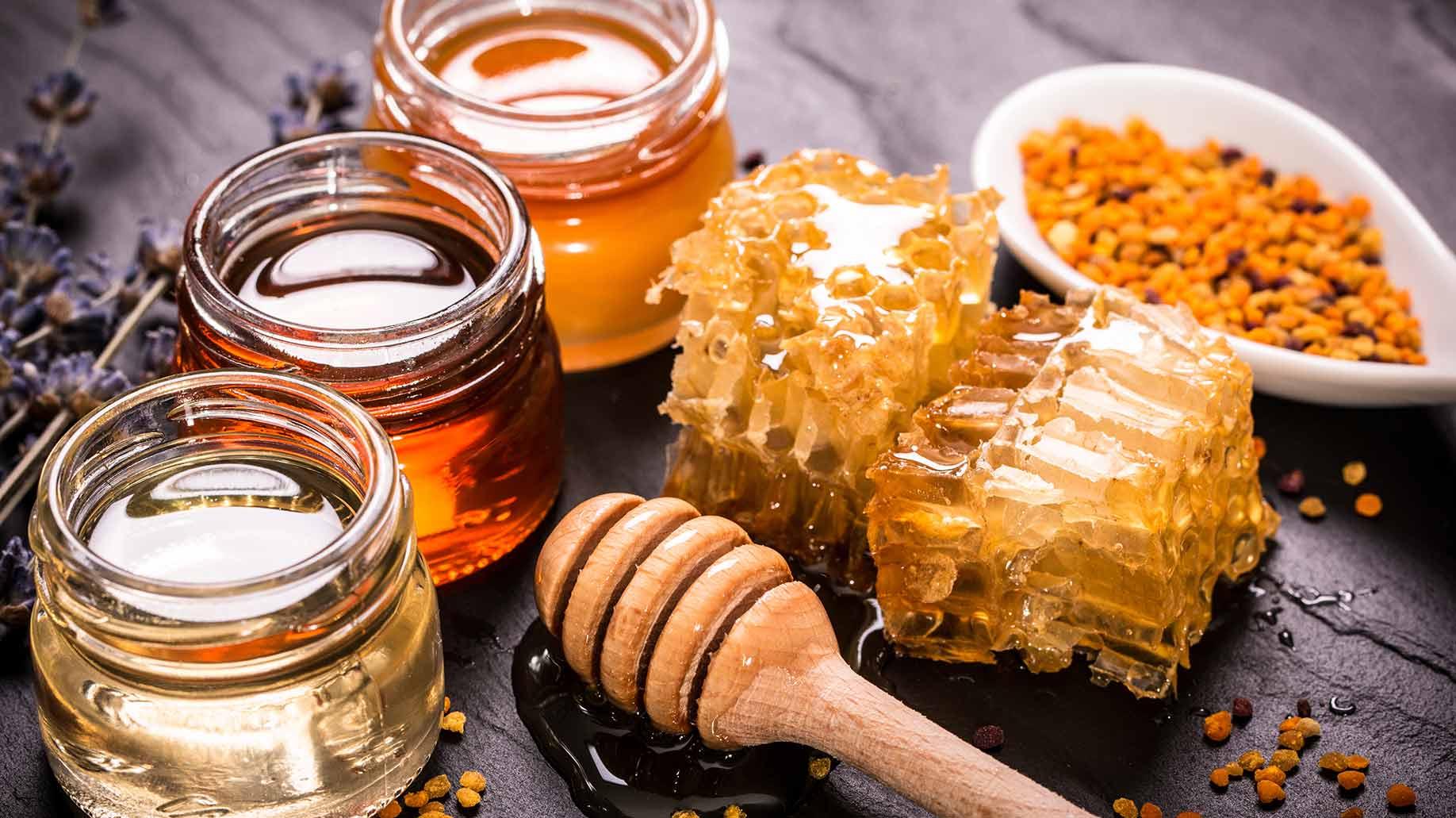 Remplacer le sucre blanc par des sucres naturels et non par des sucres artificiels s'avère être la meilleur solution. Les sucres naturels possèdent eux de nombreux antioxydants bénéfique pour notre corps alors que les sucres artificiels eux, possèdent de nombreux composés chimiques néfastes pour notre corps.